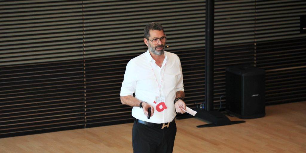 Lars de Nully presents